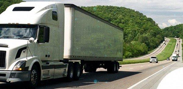 Suspensão de pedágios para caminhoneiros é solicitado ao Ministro da Infraestrutura